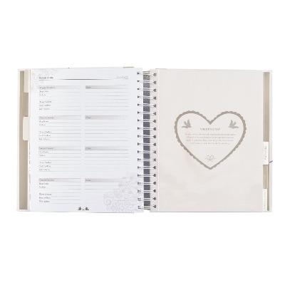 Organizador de boda con diseño de corazón